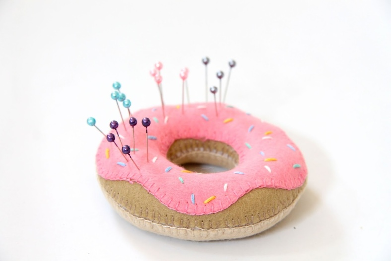 doughnut-pin-cushion-2