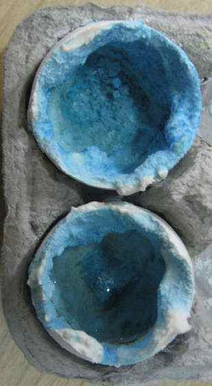 egg-shell-geode-crystals (1)